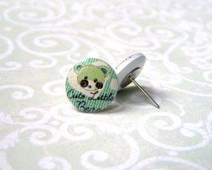 Ohrstecker Holzknopf kleiner Bär grün weiß silber
