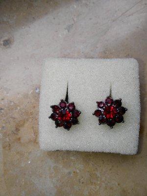 Zarcillo rojo oscuro-carmín