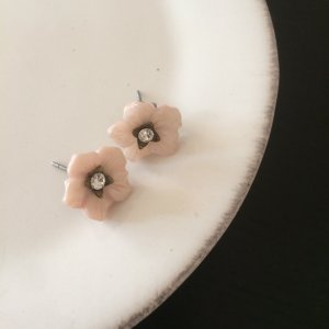 Ohrstecker *Zarte Blümchen* Rosa-Perlmutt