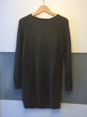 Oliv-grüner, langer Pulli bzw Kleid