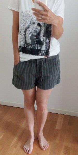 olivfarbene Short Baumwolle