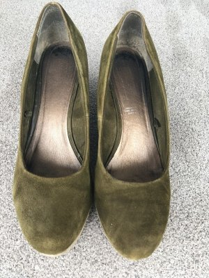 5th Avenue Wedge Pumps olive green
