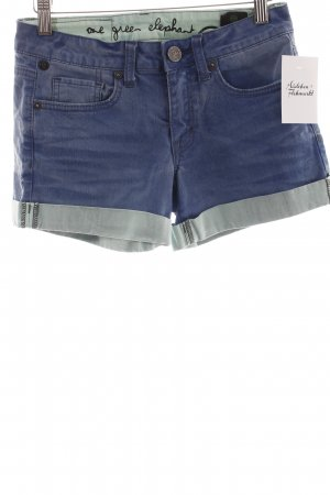 One green elephant Shorts blau-blassgrün Street-Fashion-Look
