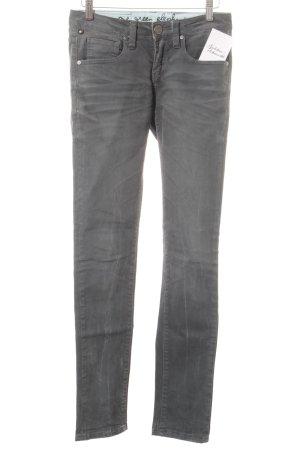 One green elephant Skinny Jeans khaki Street-Fashion-Look