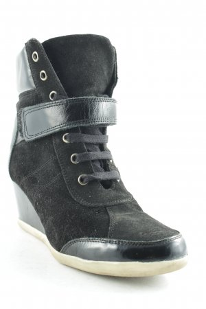 One of a kind Keil-Stiefeletten schwarz Casual-Look