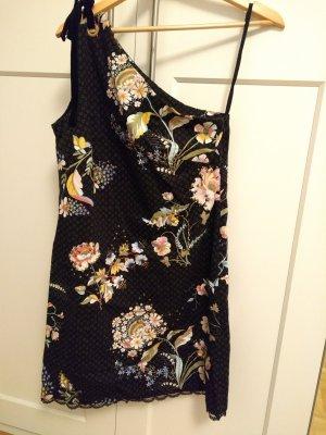 One Sholder Kleid