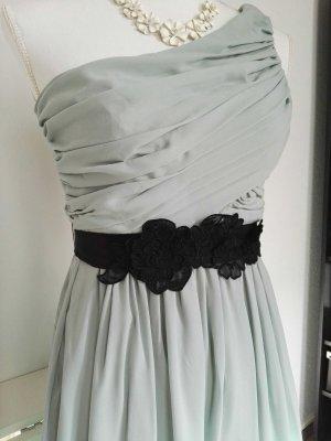 One-Shoulder Abendkleid mit Blütengürtel