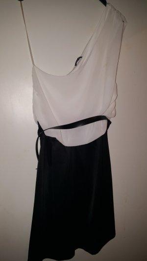 *One Shoulder Kleid*