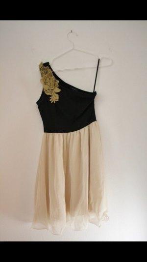 One Shoulder Kleid mit Häkelverziehrung