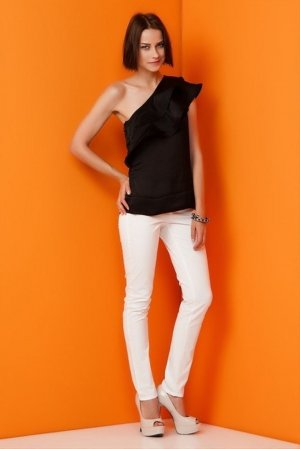 One Shoulder Shirt, Top, Bluse in der Gr.38/M schwarz Vero Moda