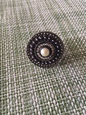 Statement Ring grey-silver-colored