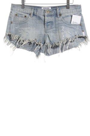 One x Oneteaspoon Hot Pants hellblau-wollweiß Street-Fashion-Look