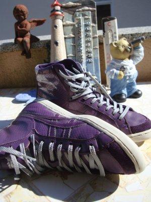 ONITSUKA TIGER SNEAKER BOOTS STIEFELETTEN SKATER ECHTLEDER & LACKLEDERELEMENTE NP 99,95€ 36/36,5/37 violet lila purpur graulila silber lack Phython-Look Schlangenprägung Sneaker Schuhe absolut neuwertig!!! Nur zum Anprobieren getragen!!! Gerne Preisvorsch