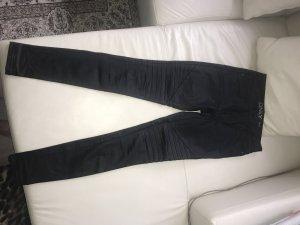 ONLY beschichtete Jeans im Bikerlook