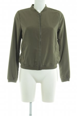 Only Chaqueta bomber caqui look casual
