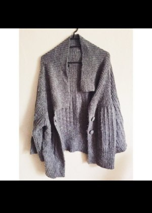 Only grauer Strickcardigan