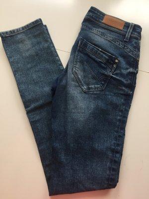 Only Jeans mit Knöpfen