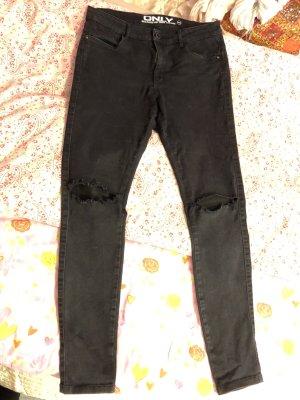 Only Jeans mit Schlitzen an den Knien- fällt aus wie 40
