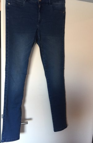 Only Jeans zu verkaufen.