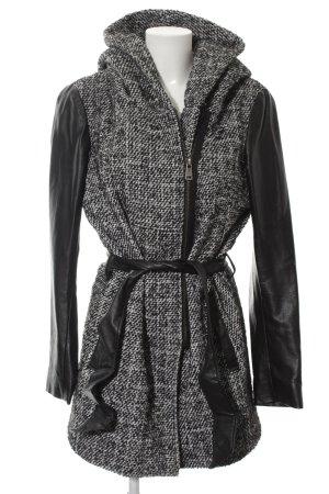 Only Capuchon jas zwart-wit gestippeld casual uitstraling