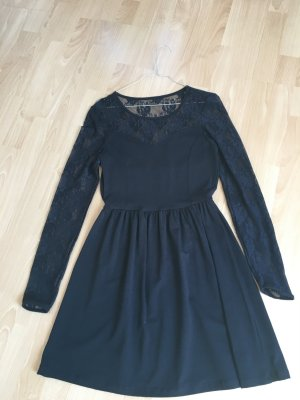 Only Kleid schwarz 36 S Spitze Spitzenbesatz A-Form ausgestellt langärmlig neu