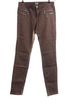 Only Pantalón de tubo marrón look casual