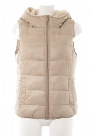 Only Quilted Gilet cream casual look