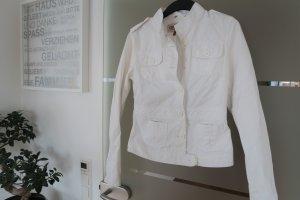 ONLY weiße Jeansjacke / Denimjacke mit tollem figurbetonten Schnitt