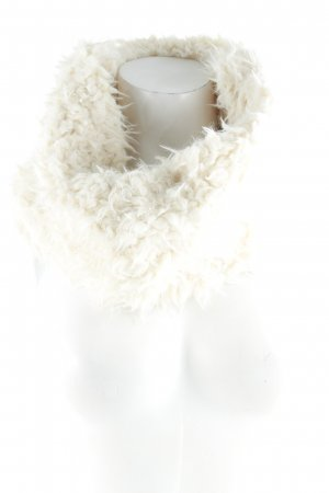 Opus Snood cream fluffy