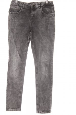 Opus Slim Jeans dunkelgrau Street-Fashion-Look