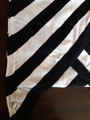 Opus. Strickschal. schwarz/weiß.
