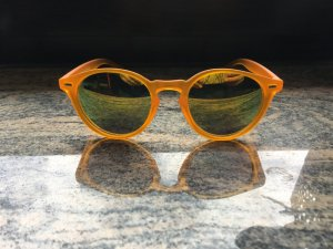 Orange Sonnenbrille