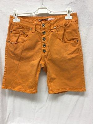 Orangefarbene Jeansshorts