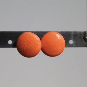 orangefarbene Ohrstecker