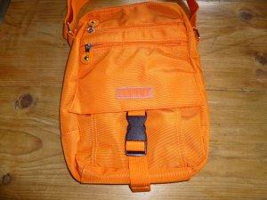 Orangefarbene Umhängetasche aus Nylon von Esprit