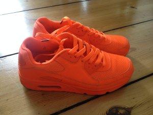 Sneakers neon orange