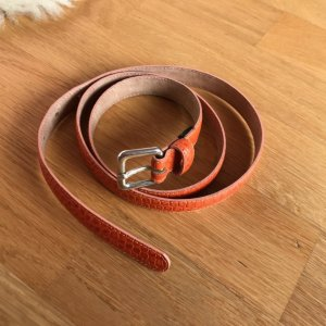 Orangener schmaler Gürtel von Massimo Dutti