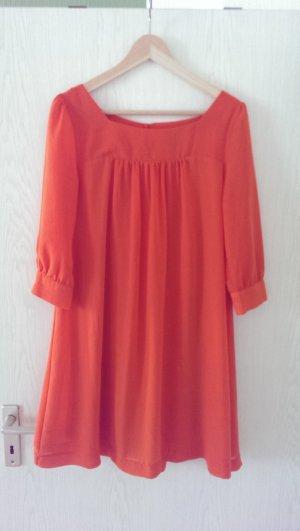 Orangenes Lieblingskleid für den Sommer