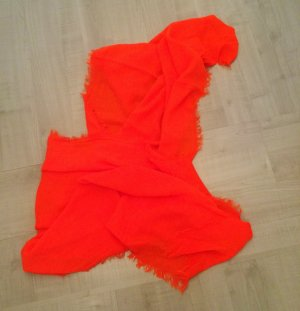 Oranger dünner Schal