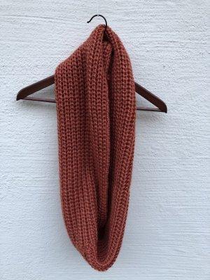 Écharpe en tricot orange foncé-rouille