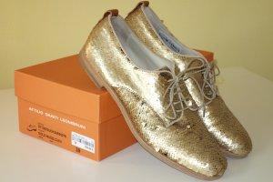 AGL Zapatos brogue color oro