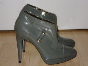 Org. ESCADA Plateau Ankle Booties grau Lackleder