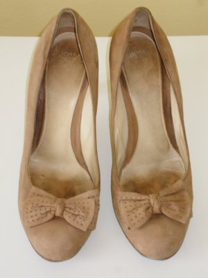 Org. HUGO BOSS Pumps in hellbraun Gr.39,5