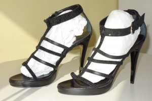 Laurèl Strapped High-Heeled Sandals black leather