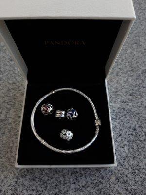 org.Pandora Armband mit 4org.Pandora Charms neuwertig