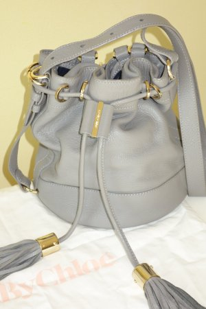 Org. SEE BY CHLOE Vicki small Leder bucket bag/Umhängetasche in grau inkl.Dustbag