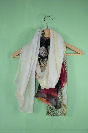 Orientalisches Tuch mit Rosen und Leopard Muster