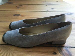 Orig. Bally Schuhe Ballerinas Pumps grau Lack Spitze Leder