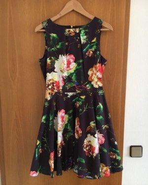 *orig. Closet Skaterkleid mit wunderschönem Blumenprint UK 12 38 wNEU*