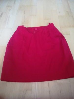 Orig. Karl Lagerfeld Rock, kurz, rot, 100% Wolle, mit Logoknopf